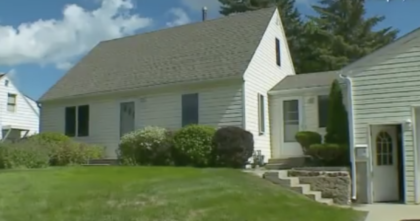 Man Spends 15 Years Working On His House And It Still Looks Normal, But Then You See The Inside and, WOW.